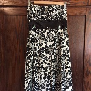 WHBM strapless dress size 2